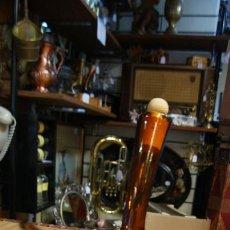 Antigüedades: PORRÓN ANTIGUO 1 L EN CRISTAL AMBAR. Lote 43990718