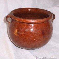 Antigüedades: ANTIGUO PUCHERO DE BARRO CON DOS ASAS ESMALTADO. Lote 42389605