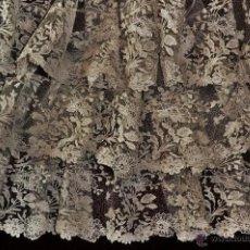 Antigüedades: MARAVILLOSA BLONDA DE ENCAJE DE BRUSELAS Y PUNTO DE AGUJA S.XIX PARA VIRGEN TAMAÑO NATURAL 5 METROS. Lote 42395754