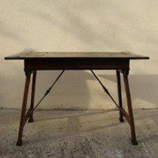 Antigüedades: MESA DE BARGUEÑO ESTILO ITALIANO SIGLO XIX. Lote 42440792
