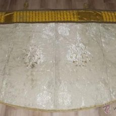 Antigüedades: CAPA PLUVIAL BLANCA. Lote 117421552