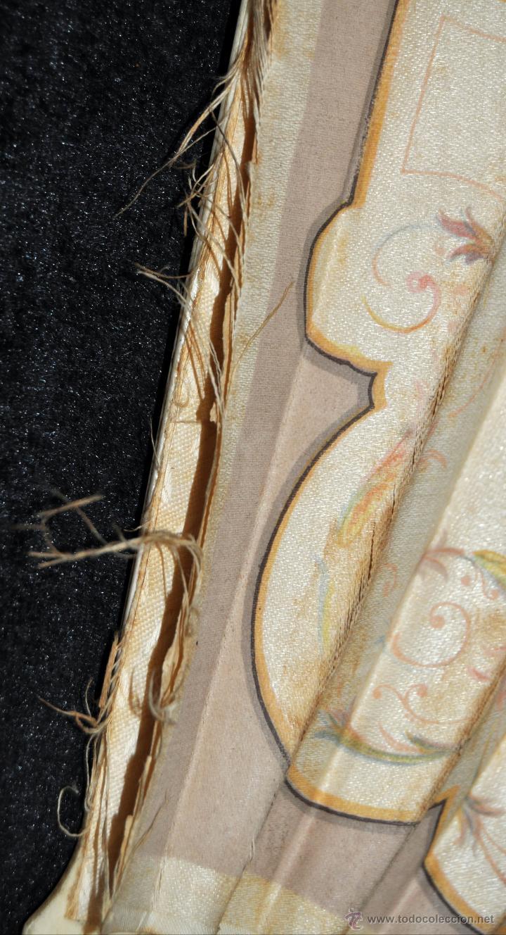 Antigüedades: ABANICO DEL SIGLO XIX CON PAÍS PINTADO SOBRE SEDA Y VARILLAJE EN HUESO - Foto 7 - 42481174