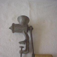 Antigüedades: PICADORA CARNE INGLESA - MADE IN ENGLAND. Lote 43364970