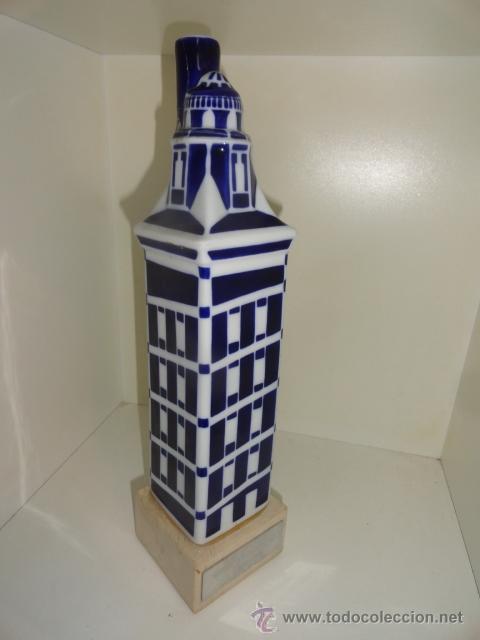 Antigüedades: Sargadelos botella en peana torre de hércules coruña Botella vacía de porcelana de Sargadelos - Foto 5 - 42488315
