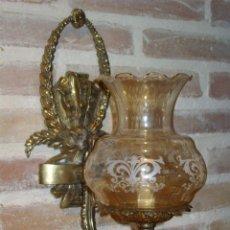 Antigüedades: APLIQUE DE PARED EN BRONCE CON TULIPA TONOS MARRONES CON DIBUJO Y FORMA DE CAMPANILLA.. Lote 42499063