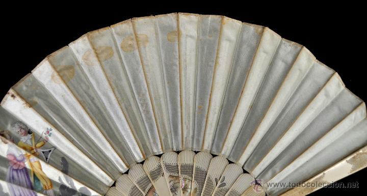 Antigüedades: ANTIGUO ABANICO DE PRINC.DE FINALES DEL SIGLO XIX CON PAIS PINTADO SOBRE SEDA Y VARILLAJE EN HUESO - Foto 6 - 42507434