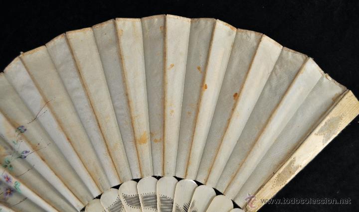 Antigüedades: ANTIGUO ABANICO DE PRINC.DE FINALES DEL SIGLO XIX CON PAIS PINTADO SOBRE SEDA Y VARILLAJE EN HUESO - Foto 8 - 42507434