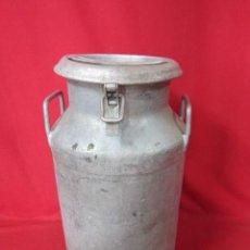 Antigüedades: BONITA LECHERA EN HIERRO ANTIGUA.. Lote 42509084
