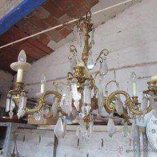 Antigüedades: LÁMPARA DE TECHO REALIZADA EN BRONCE DE SEIS BRAZOS, CON CRISTAL. PARA RESTAURAR.. Lote 42561793