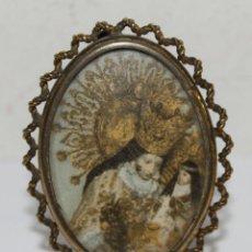 Antigüedades: PORTARETRATOS DE SOBREMESA EN METAL DORADO CON FILIGRANA - IMÁGEN DE LA VIRGEN - AÑOS 30. Lote 42575619