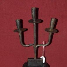Antigüedades: CANDELABRO HIERRO FORJADO.. S XVIII. ESPAÑA. Lote 42584284