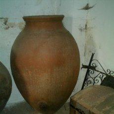 Antigüedades: TINAJA DE BARRO ANTIGUA FECHADA 1917 Y FIRMADA POR LUCIANO SOLANO. Lote 42603261