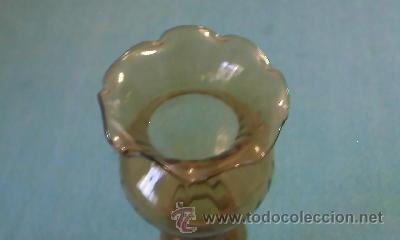 Antigüedades: Antiguo florero de cristal muy fino de color caramelo. Italia. - Foto 3 - 42622052