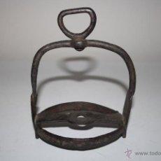 Antigüedades: ESTRIBO DE CABALLO EN HIERO - DEL SIGLO XIX. Lote 42631018