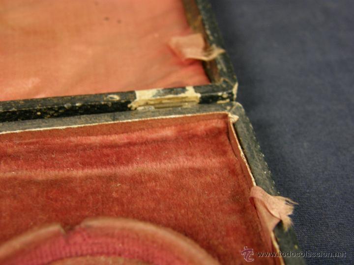 Antigüedades: caja de piel para relojes CYLINDRE 7993 impreso y dorado en piel tapa 2 compartimentos interiores - Foto 8 - 42643702
