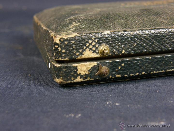 Antigüedades: caja de piel para relojes CYLINDRE 7993 impreso y dorado en piel tapa 2 compartimentos interiores - Foto 10 - 42643702