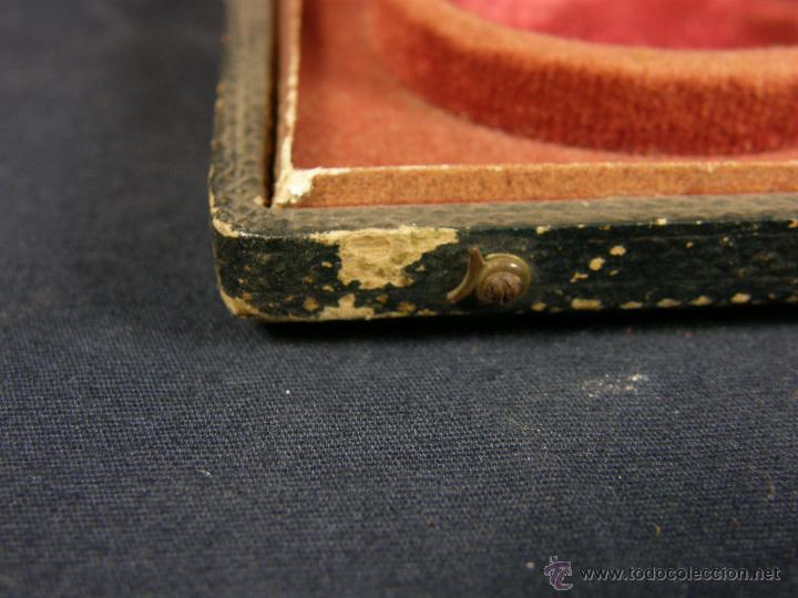 Antigüedades: caja de piel para relojes CYLINDRE 7993 impreso y dorado en piel tapa 2 compartimentos interiores - Foto 12 - 42643702