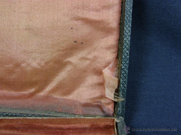 Antigüedades: caja de piel para relojes CYLINDRE 7993 impreso y dorado en piel tapa 2 compartimentos interiores - Foto 18 - 42643702
