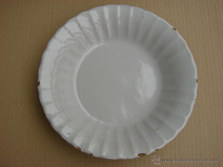 ANTIGUO PLATO DE ALCORA (Antigüedades - Porcelanas y Cerámicas - Alcora)