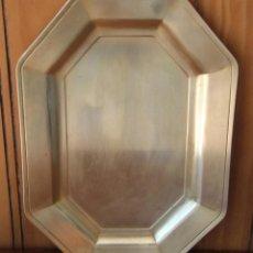 Antigüedades: BANDEJA DE BRONCE OCTOGONAL 29 CM 20,5 CM 899 GR DE PESO. Lote 42679170