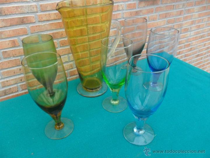 Antigüedades: jarra y copas de cristal de colores - Foto 2 - 42683042