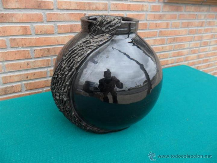 JARRON DE BARRO FIRMADO (Antigüedades - Hogar y Decoración - Jarrones Antiguos)