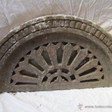 Antigüedades: PRECIOSA PIEDRA TALLADA CON DIBUJOS GEOMÉTRICOS DE FORMA OVALADA, DE ORIGEN ORIENTAL.. Lote 42759776