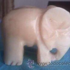 Antigüedades: PRECIOSA ESCULTURA DE UN ELEFANTE AFRICANO TALLADO A MANO EN MÁRMOL.. Lote 42763649