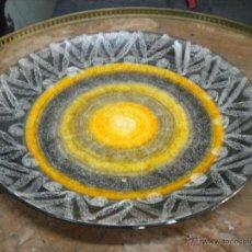 Antigüedades: PRECIOSO PLATO EN PORCELANA SELLADO Y FIRMADO SAN CLAUDIO OVIEDO. Lote 42770397