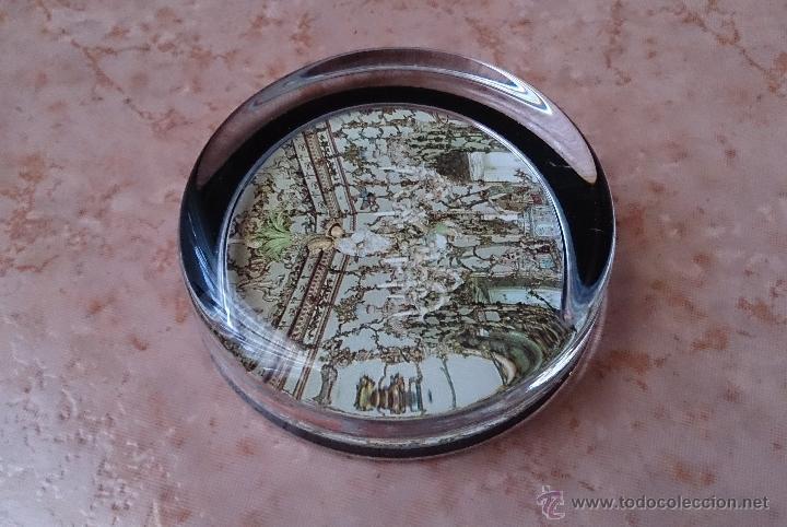 Antigüedades: Elegante pisapapeles ( REALES SITIOS DE ESPAÑA ), en cristal con base terciopelo negro . - Foto 4 - 42792198
