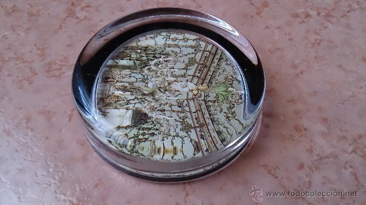 Antigüedades: Elegante pisapapeles ( REALES SITIOS DE ESPAÑA ), en cristal con base terciopelo negro . - Foto 6 - 42792198