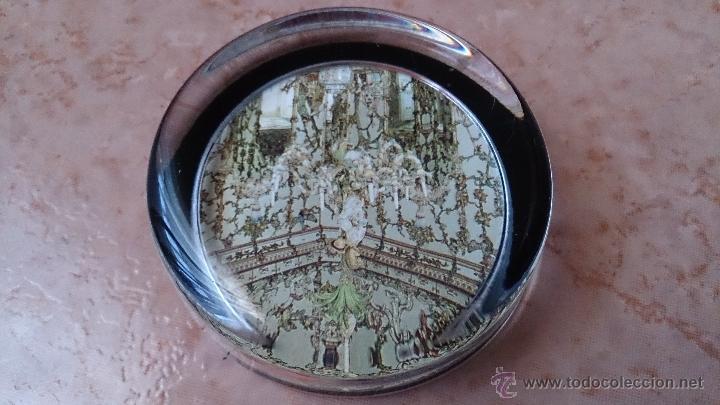 Antigüedades: Elegante pisapapeles ( REALES SITIOS DE ESPAÑA ), en cristal con base terciopelo negro . - Foto 7 - 42792198