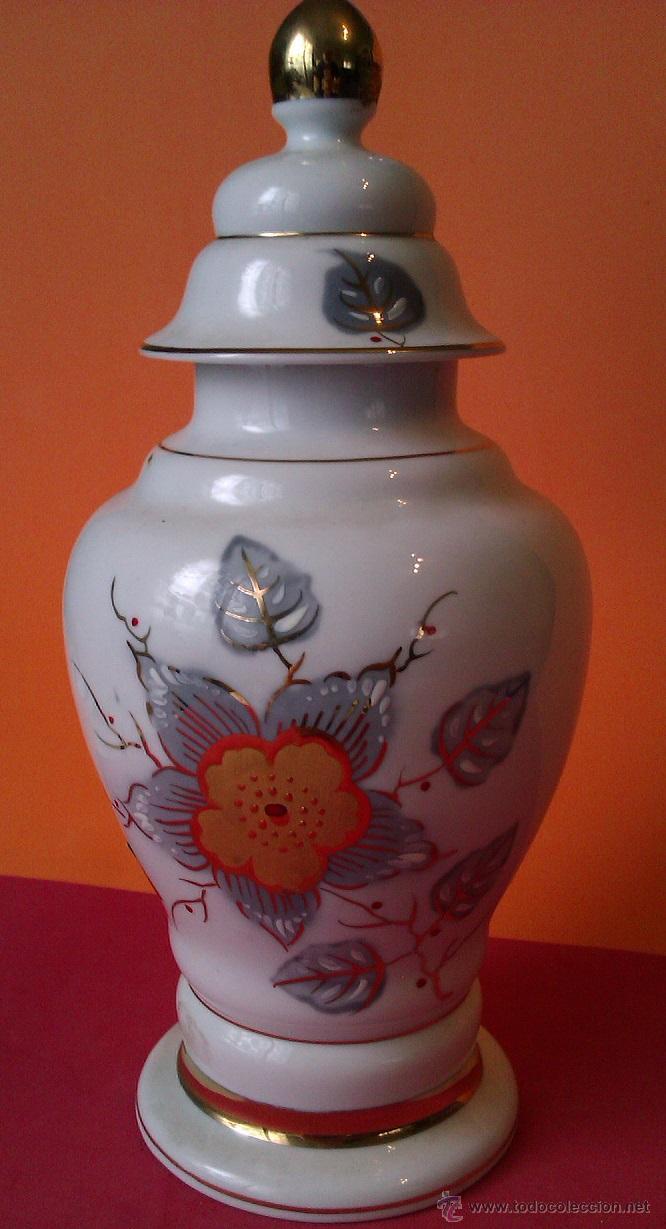 PRECIOSO JARRON DE PORCELANA PINTADO A MANO EN ORO DE LEY JARRON CON (Antigüedades - Porcelanas y Cerámicas - Otras)