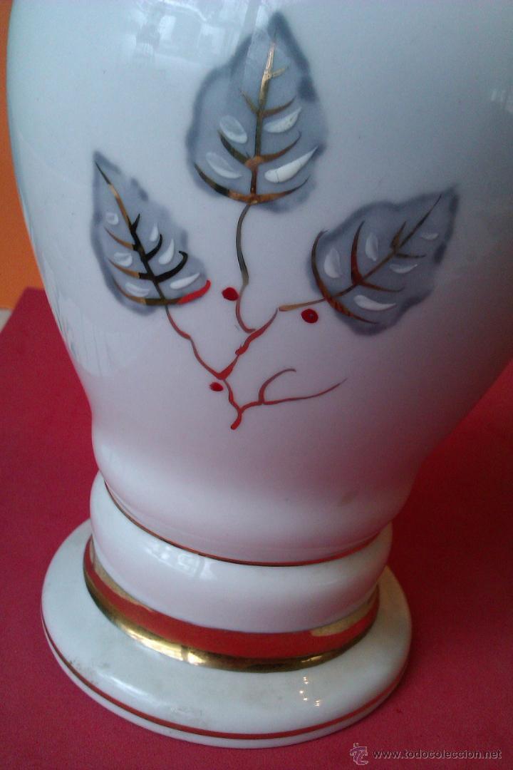 Antigüedades: PRECIOSO JARRON DE PORCELANA PINTADO A MANO EN ORO DE LEY JARRON CON - Foto 3 - 42797339