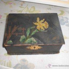 Antigüedades: ANTIGUA CAJA MODERNISTA DECORACION FLORAL NARCISO. Lote 42833654