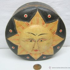 Antigüedades: 18 CM - CAJA MADERA TALLADA - SOL - MAGIA CIRCO. Lote 42845119