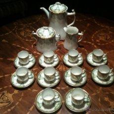 Antigüedades: EXQUISITO JUEGO DE CAFÉ EN FINA PORCELANA BLANCA PERFILADA EN ORO DE LA CASA ITALIANA RICHARD GINORI. Lote 42918508