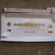 Antigüedades: CENICERO AÑOS 60/70 MANUEL RIEGO VIGO, MATERIALES DE CONSTRUCCION, APROX 1970 23X10.50CM. Lote 42953562