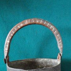 Antigüedades: ANTIGUO CALDERO DE COBRE CON ASA DE COBRE - PUCHERO - OLLA -. Lote 42962101