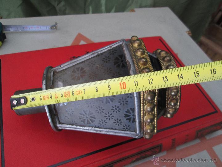 Antigüedades: ANTIGUO FAROLILLO PROCESIONAL EN LATÓN ESTAÑADO Y CRISTAL - ORIGINAL AÑOS 40 Ó 50 - Foto 2 - 42968623