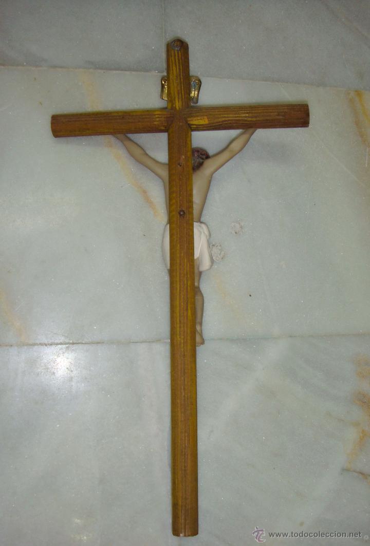 Antigüedades: Antiguo Crucifijo. Cruz de madera. Cristo de escayola. - Foto 3 - 42971503