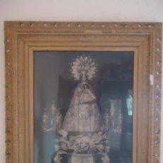 Antigüedades: ANTIGUO MARCO DE MADERA TALLADA Y ESTUCO CON FOTOGRAFÍA DE LA VIRGEN DE GRACIA DE BIAR. Lote 38572003