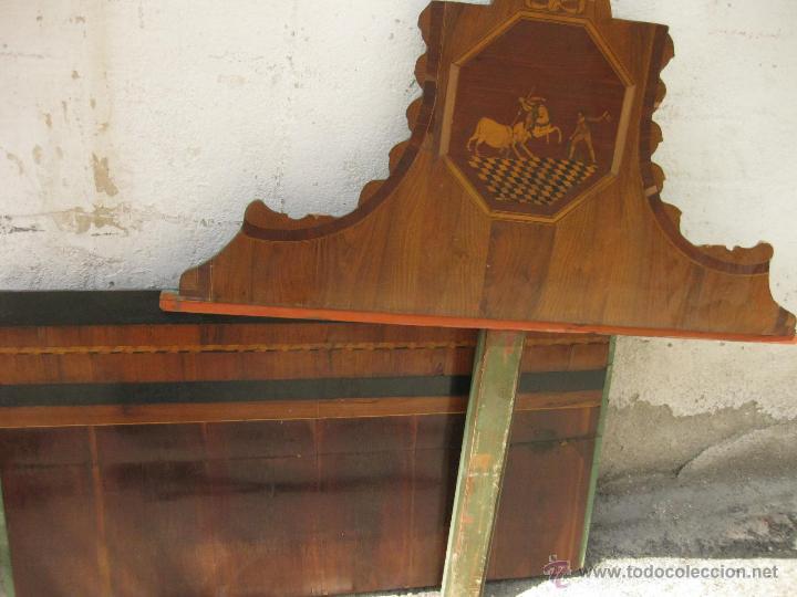 Antigüedades: CABECERO ANTIGUO DE CAMA CON MARQUETERIA Y ESCENA TAURINA - Foto 9 - 43083644