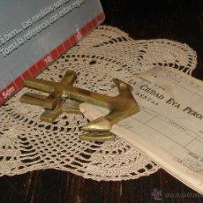 Antigüedades: ANTIGUA ANCLA BROCHE Y PISAPAPELES 10CM BRONCE AÑO 30 IDEAL NAVEGANTES. Lote 43088609