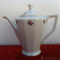 Antigüedades: CAFETERA ANTIGUA EN PORCELANA DE BOHEMIA SELLADA. Lote 43098050