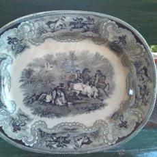 Antigüedades: ANTIGUA FUENTE OVALADA DE CARTAGENA, ESCENA LA CAZA DEL TORO, SELLO INCISO Y TINTA. Lote 43119376