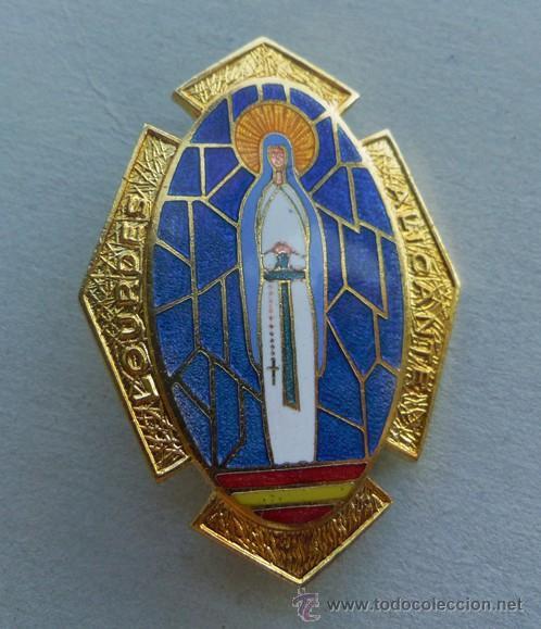 MUY BUENA MEDALLA RELIGIOSA - ESMALTADA -CON AGUJA -BROCHE LOURDES ALICANTE (Antigüedades - Religiosas - Medallas Antiguas)