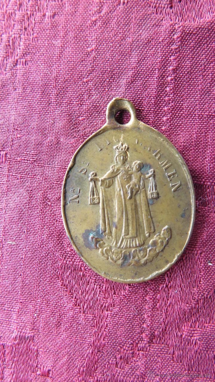 MUY ANTIGUA MEDALLA VIRGEN NUESTRA SEÑORA DEL CARMEN. CORAZONES SANTOS DE JESUS Y MARIA (Antigüedades - Religiosas - Medallas Antiguas)