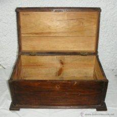 Antigüedades: BONITO ARCÓN O BAÚL DE SOBREMESA ANTIGUO. PINO.. Lote 43138975