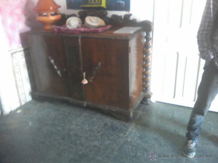 Antigüedades: MUEBLE MADERA APARADOR ANTIGUO mesa a juego - Foto 2 - 43201544